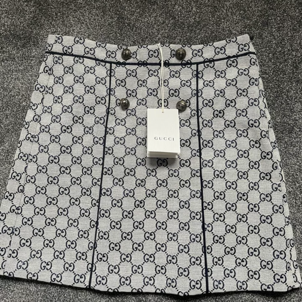 Gucci embroidered skirt SIZE 12 KIDS FITS A SIZE 8 WOMEN Gucci3
