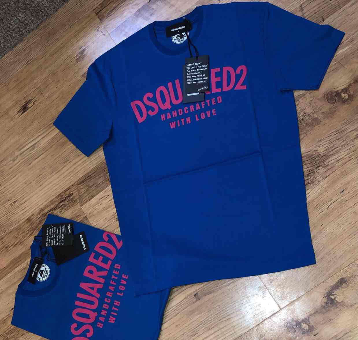 Dsquared2 men's arch logo t-shirt in blue and pink Retail price £160 my price £85. Sizes available M,L,XLDsquared20
