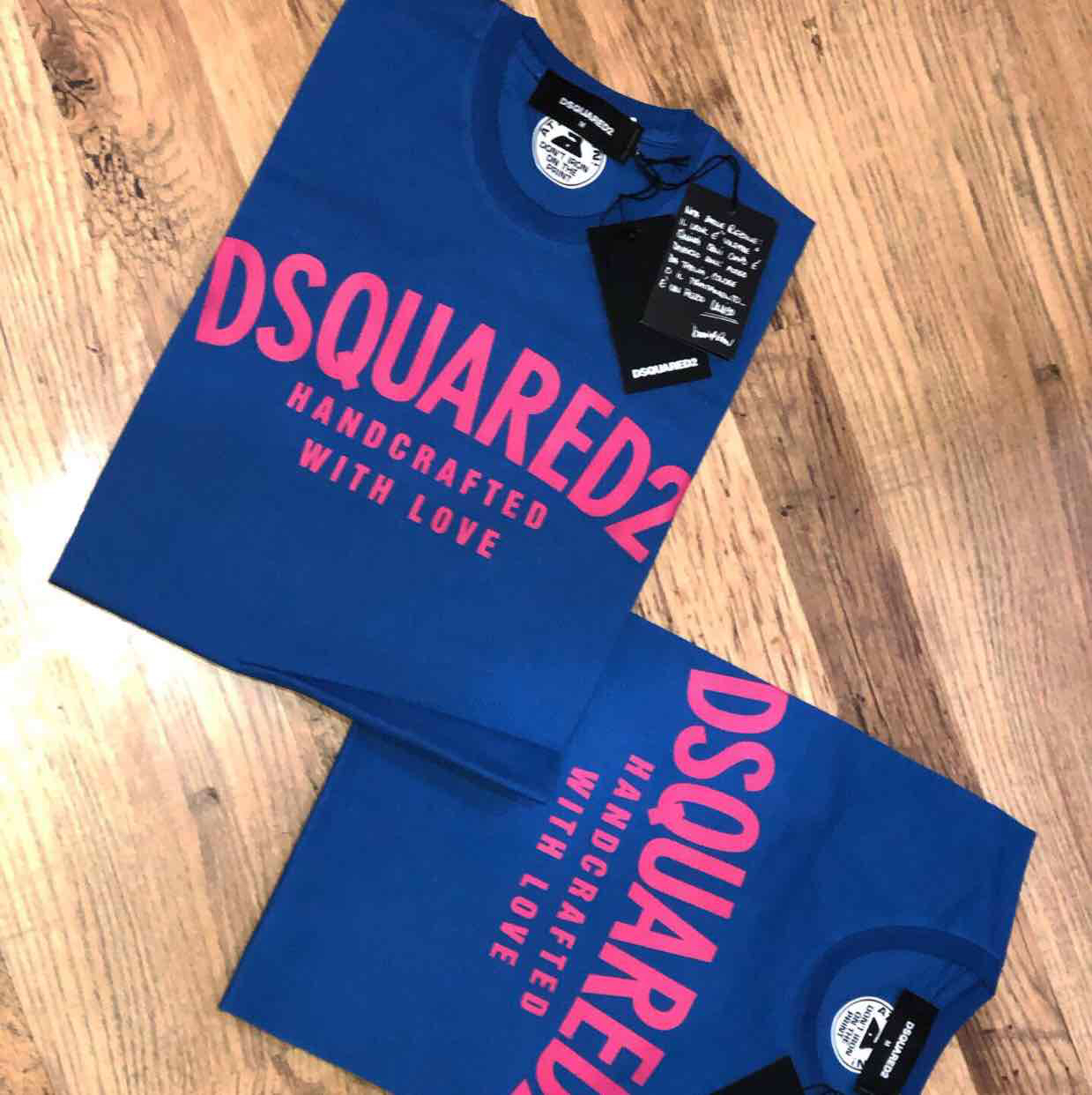 Dsquared2 men's arch logo t-shirt in blue and pink Retail price £160 my price £85. Sizes available M,L,XLDsquared21